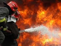 pompieri-fc483lticeni-incendiu3111-1170x480