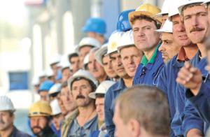 muncitori-salariati-angajati-1-300x196